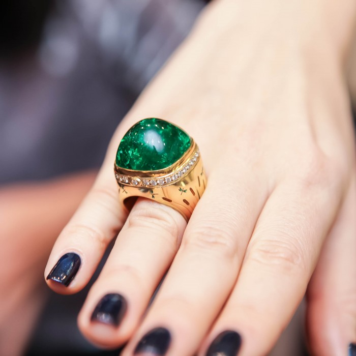 HOW TO BUY AN EMERALD RING PRICE PARISON GEMOLOGUE