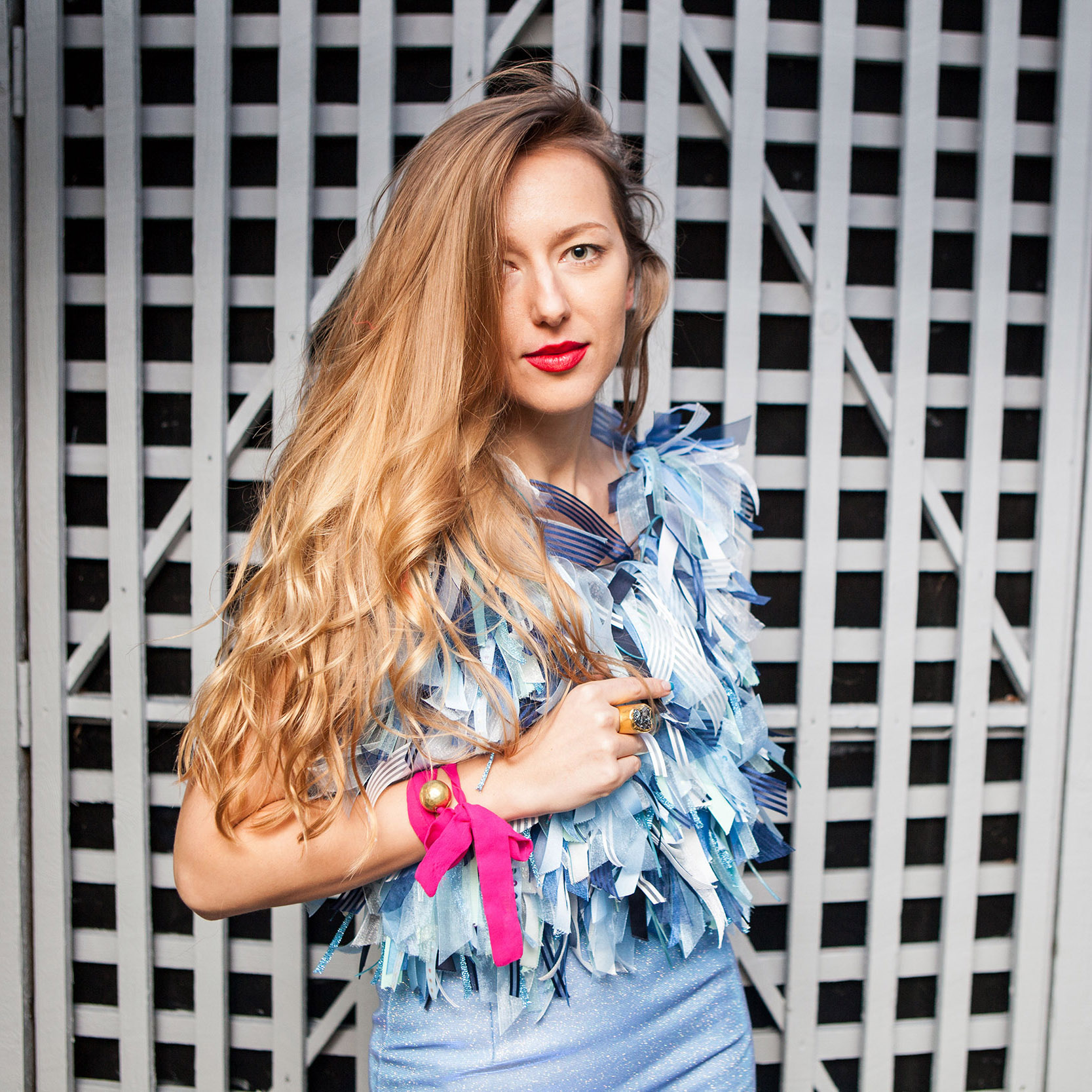 GET THE LOOK…MESSY RIBBON