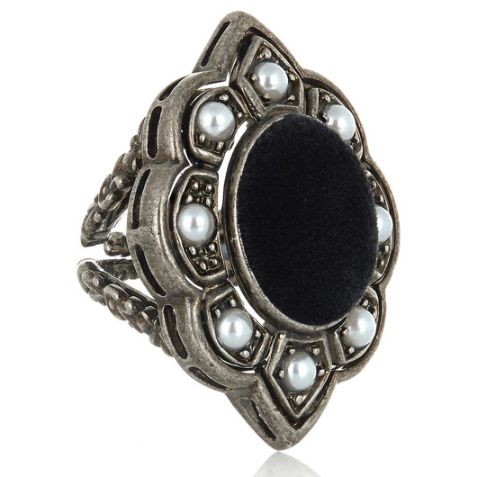 GUCCI P Pearl and Velvet Ring