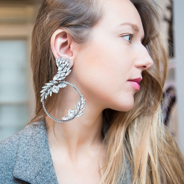 JEWELRY DESIGNER TO WATCH: VICKISARGE, EXTRAORDINARY COSTUME JEWELLERY