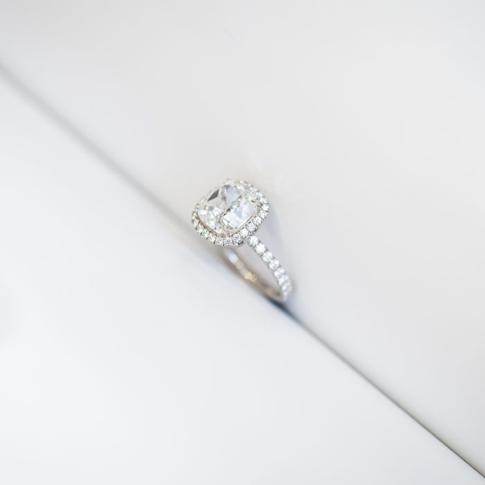 Harry Winston_Engagement Ring_Diamond_GEMOLOGUE by Liza Urla_jewelry blog_jewellery 04