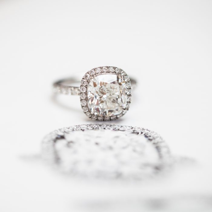 Harry Winston_Engagement Ring_Diamond_GEMOLOGUE by Liza Urla_jewelry blog_jewellery 05