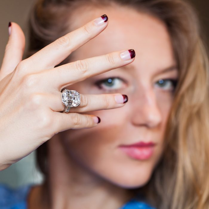 Harry Winston_Engagement Ring_Diamond_GEMOLOGUE by Liza Urla_jewelry blog_jewellery 22