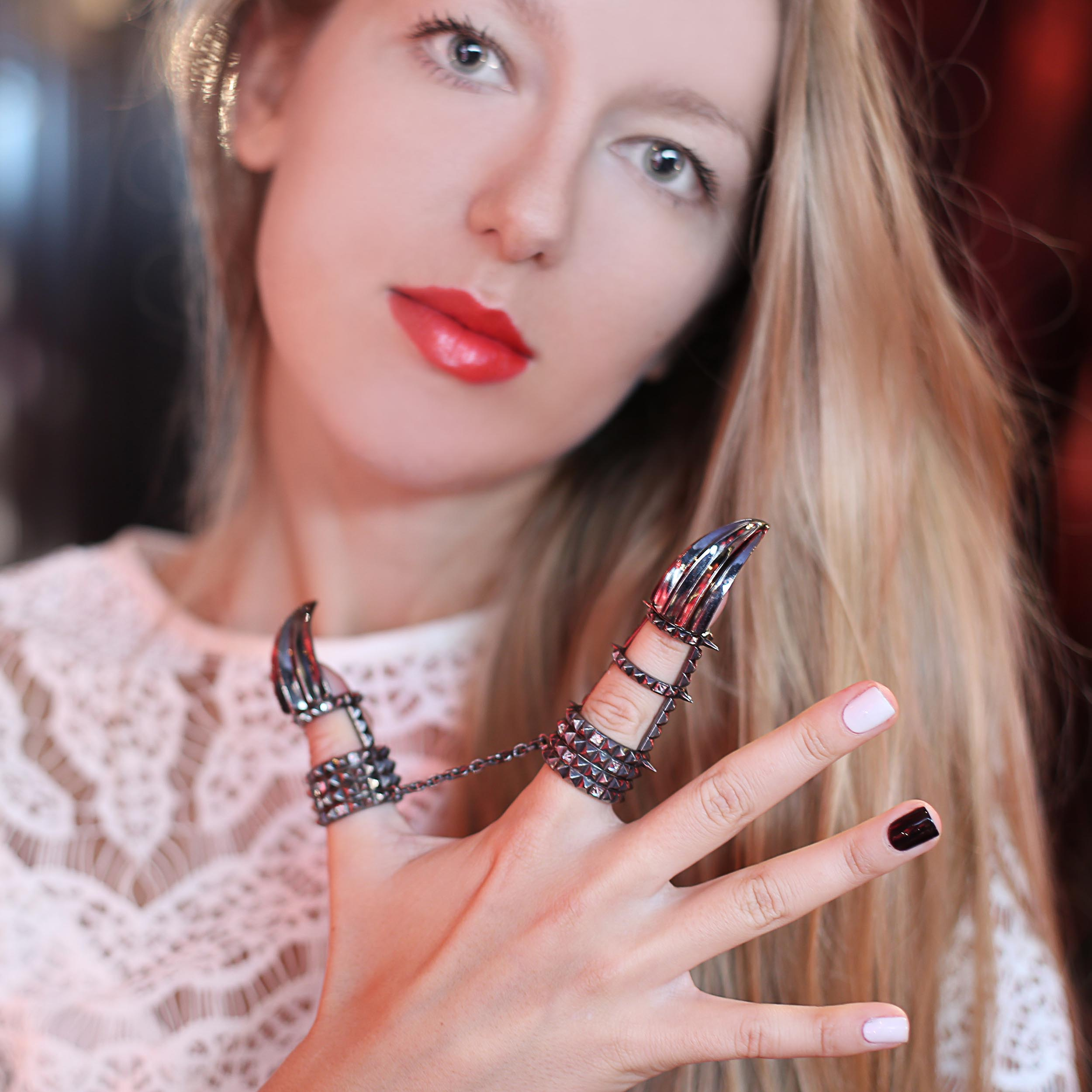 THE JEWELLERY ART OF: SOLANGE AZAGURY-PARTRIDGE, HOTEL COSTES PARIS