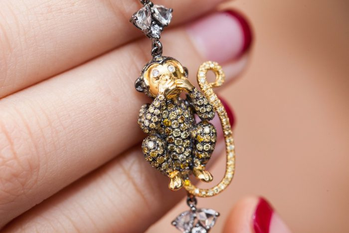 GEMOLOGUE_Liza Urla_Lorraine Schwartz_Harrods Fine Jewellery_Diamond Monkey_09