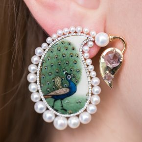 GEMOLOGUE_fashion blog_Claridges_Liza Urla_Solace London_Buccellati jewelry_Silvia Furmanovich earrings_Gianvito Rossi