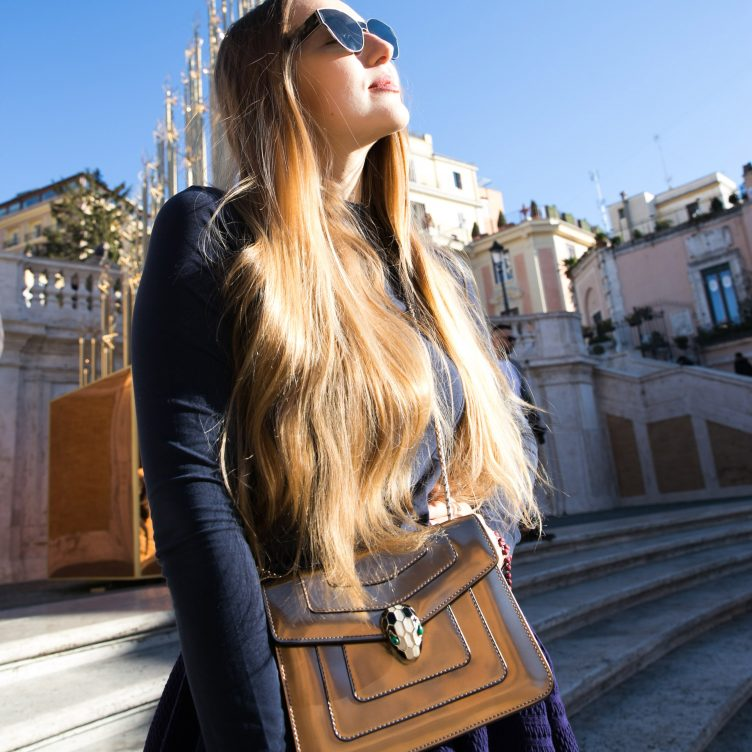 GET THE LOOK: MERRY CHRISTMAS FROM THE SPANISH STEPS OF ROME