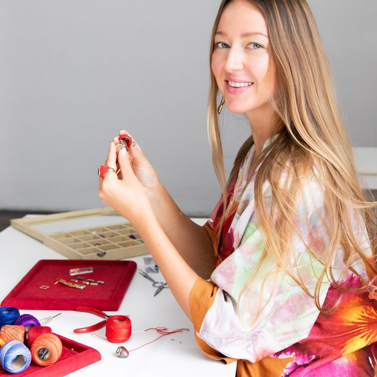 THE CRAFTSMANSHIP OF MARIA FRERING: HOW THE BOMBÉ RING CAME TO LIFE